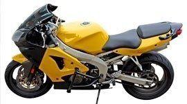 Moto gialla di grossa cilindrata