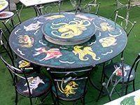 tavolo in pietra con pesci
