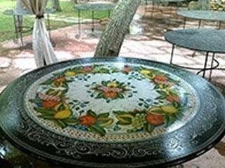 pietra lavica decorata
