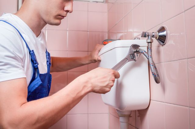 Professional providing exceptional general plumbing services in Cincinnati, OH
