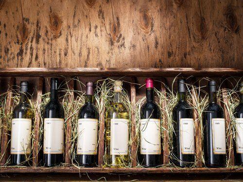 espositore di bottiglie di vino