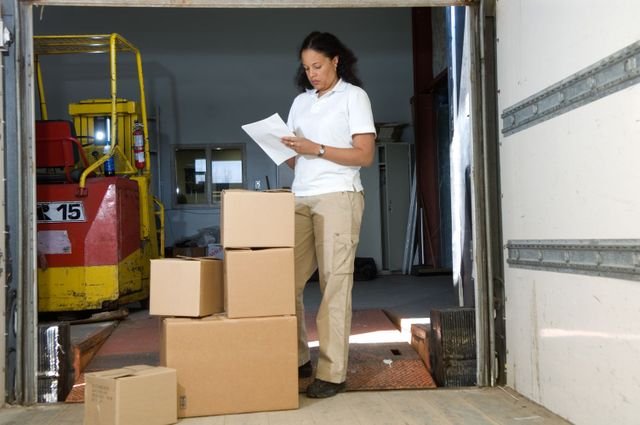 A member of our staff providing moving and storage services in Honolulu, HI