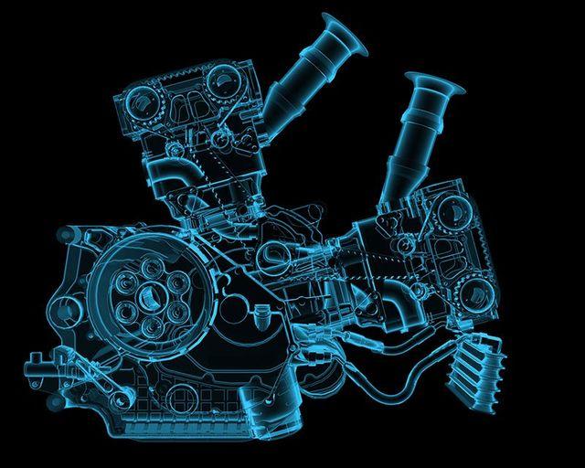 ologramma laterale di un motore