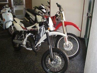 moto da cross, vendita di moto,vendita di scooter nuovi e usat