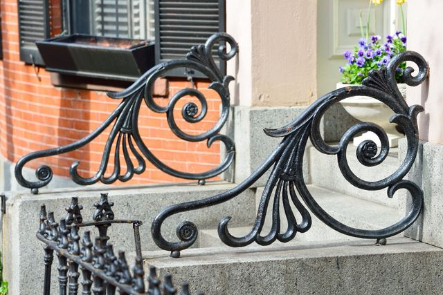scale con ringhiere in ferro