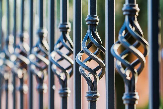 dettaglio di un cancello in ferro