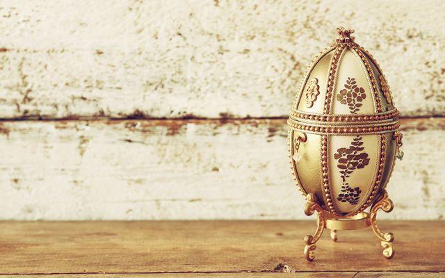 un uovo dorato