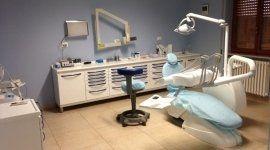 poltrona da dentista, lampada
