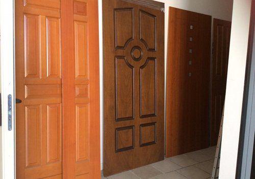 assortimento porte in legno