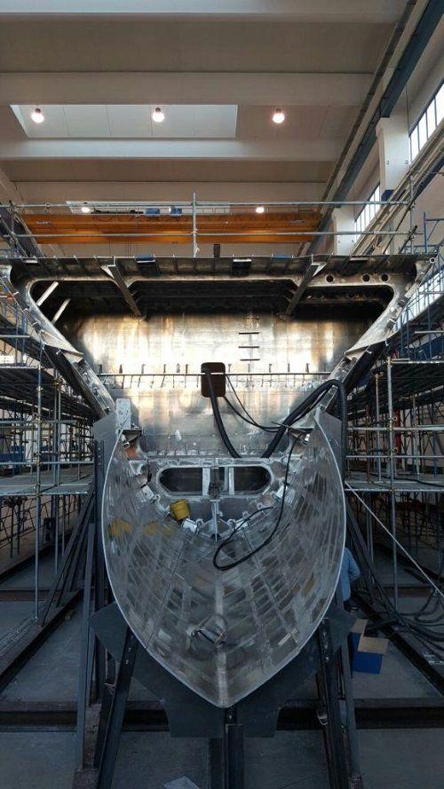 una lamiera in ferro in una fabbrica