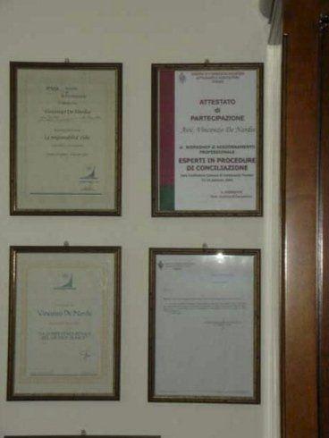 attestati e diplomi dell'avvocato