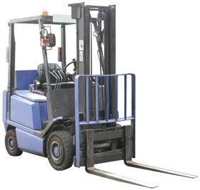Forklift training - Slough, Windsor, UK - John Gibson Training - Blue Forklift