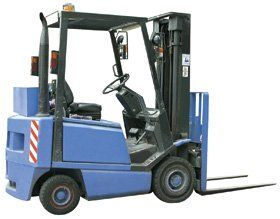 Forklift training - Slough, Windsor, UK - John Gibson Training - Blue Forklift -2