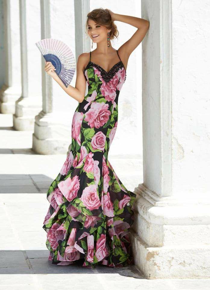 Solo il meglio della moda internazionale. La gamma di marche e abiti ... 2b7a02e78bc