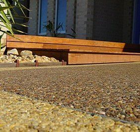 Outdoor pebble paving