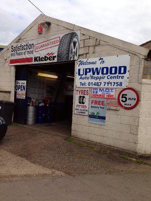 Car engine tuning - Huntingdon, Cambridgeshire - Upwood Auto Repair Centre - Mechanic in auto repair shop