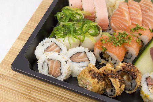 Sushi uramaki al ristorante giapponese Sushi 'N' Roll a Milano