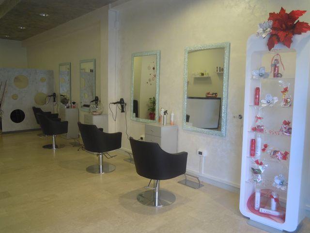 interno salone di parrucchieri a Campobasso