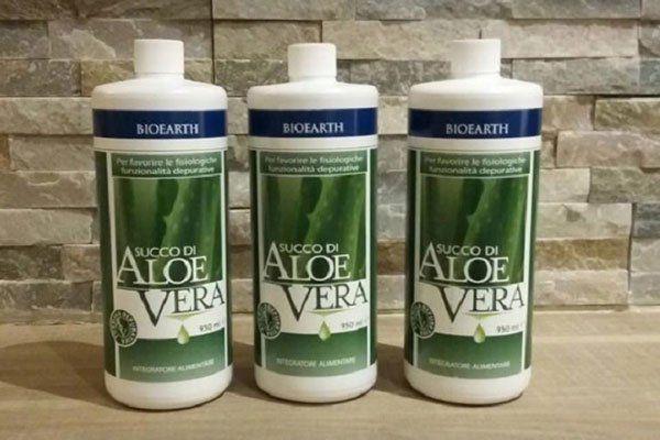 tre bottigliette di Aloe Vera