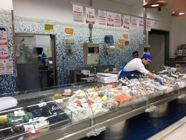 banco alimentare Superstore Conad La Fonte