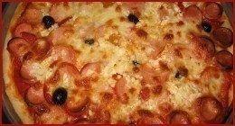 pizza con salame e wurstel