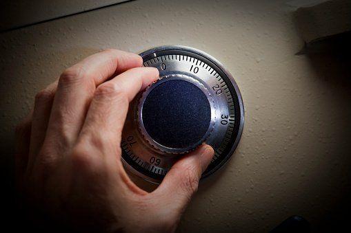 riparazione di serratura