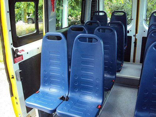 Vista interna di un minibus