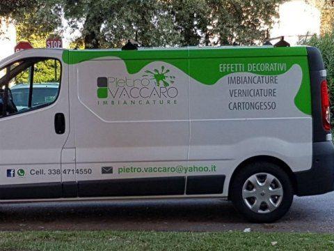 furgone della ditta di servizi di imbiancatura con logo pietro vaccaro