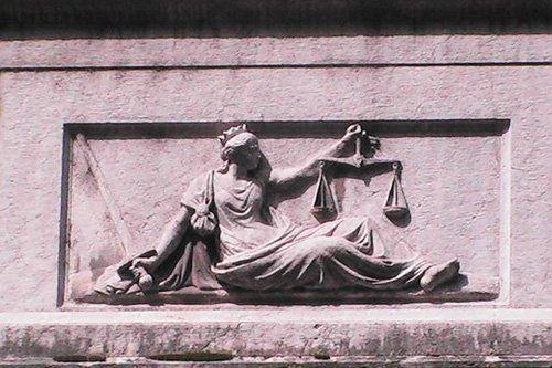 altorilievo della dea della giustizia