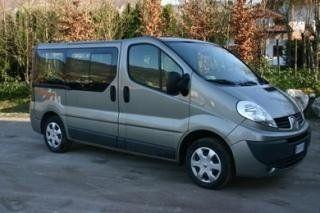 noleggio minibus renault