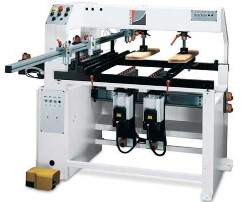 una macchinario per i lavori in legno