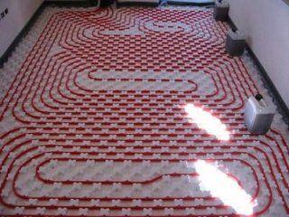 Impianto di riscaldamento a pavimento in un appartamento