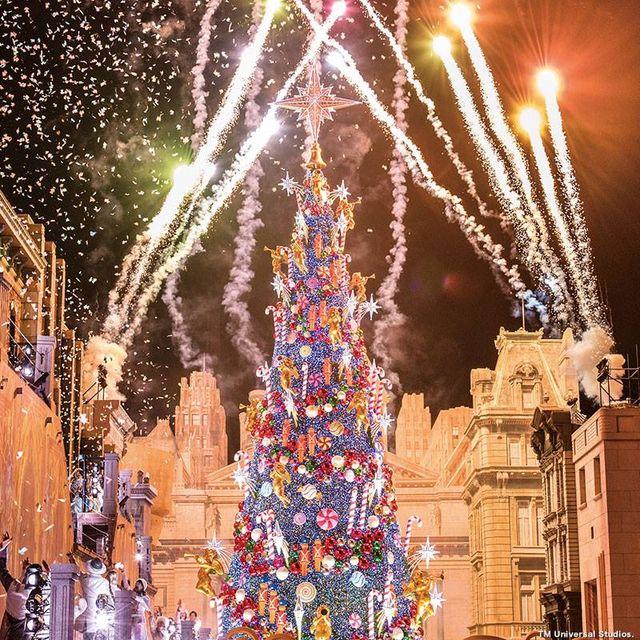 Universal Studios Christmas.Most Lights On An Artificial Christmas Tree Universal