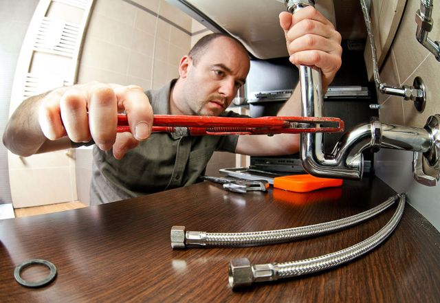 Pipe repair underway in Cincinnati, OH