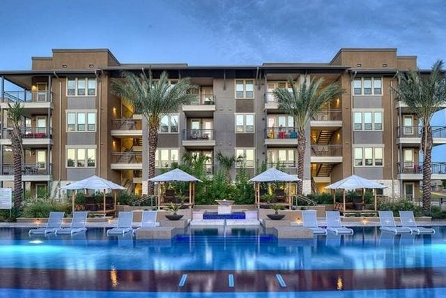 luxury apartment exterior with pool - San Antonio TX - Apartments Today Inc.