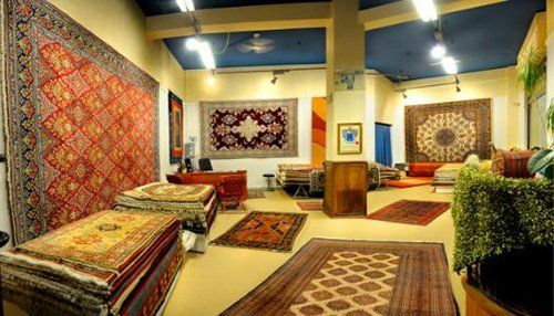 interno del negozio di tappeti