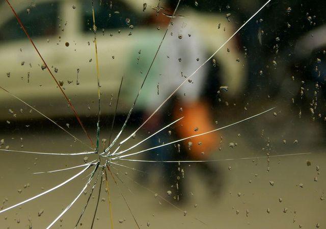 un vetro crepato
