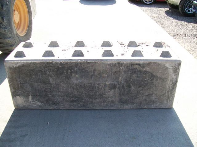 interlocking concrete block
