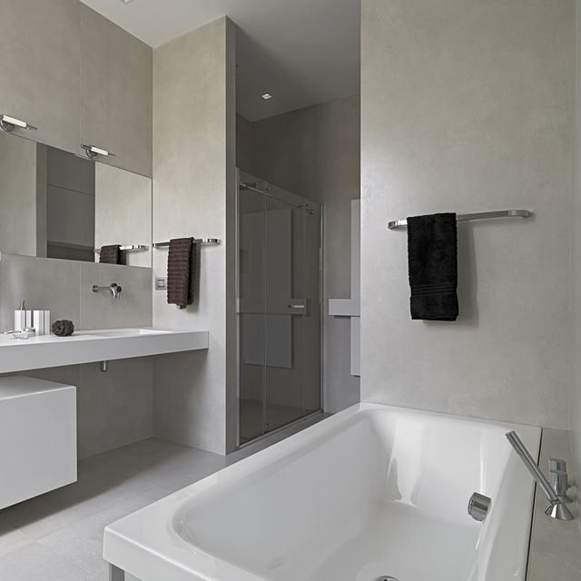 A beautiful modern bathroom