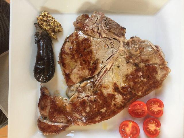 Una bistecca di carne