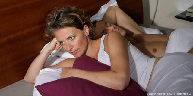Schnarchen: In jedem dritten Schlafzimmer ein Problem ...