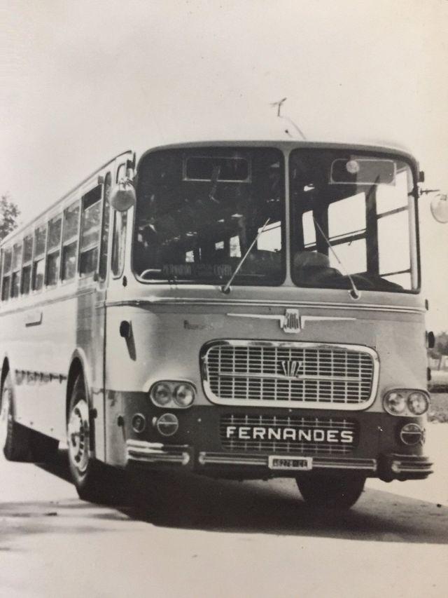 vecchio autobus marca FERNANDES