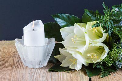 fiore con candela