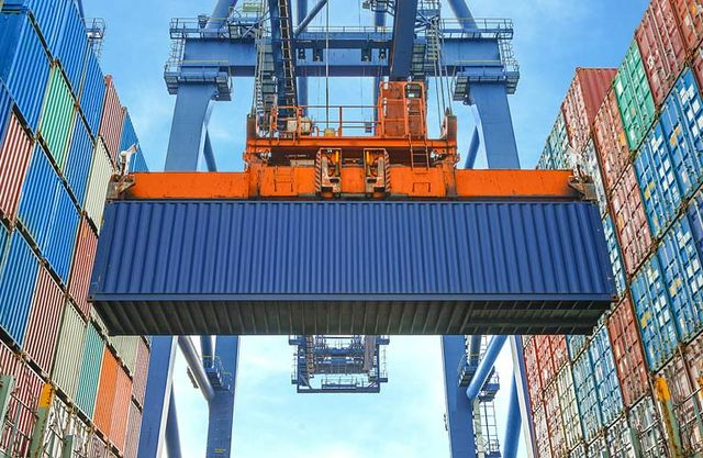 shipping container crane