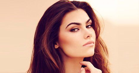 dark haired model with HD brows