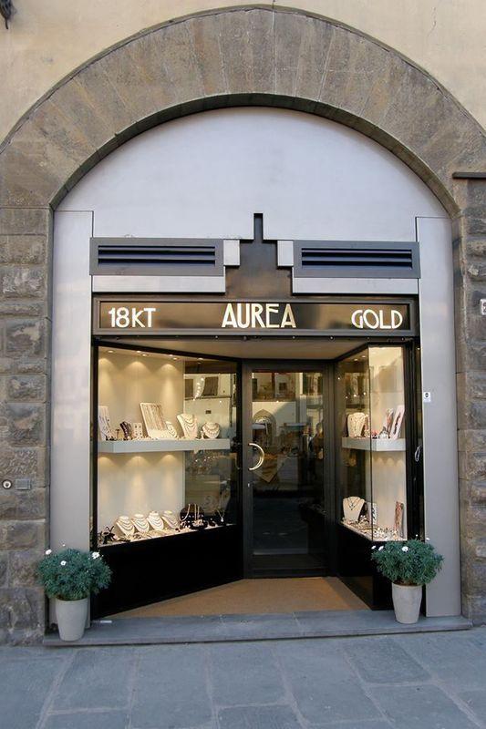 entrata della gioielleria Aurea