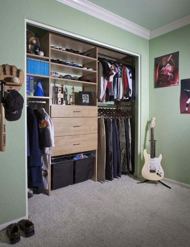 Kids' Closets | Adjustable, Kid-Friendly Closet Systems