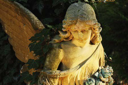 Statua d'angelo