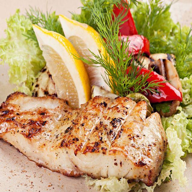 Salmone alla griglia con le verdure ad Osteria del Pesce Fresco a Pieve A Nievole