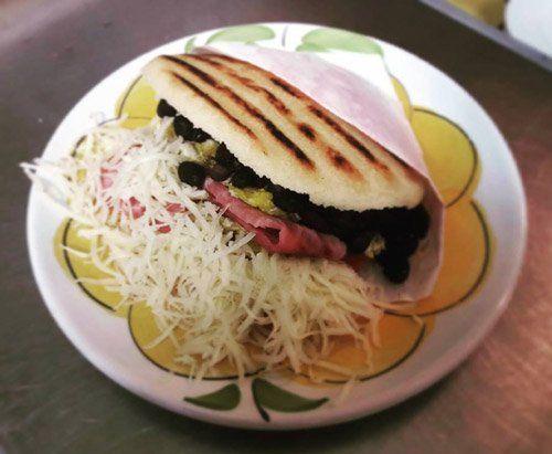 Arepa il piatto tipico del Venezuela